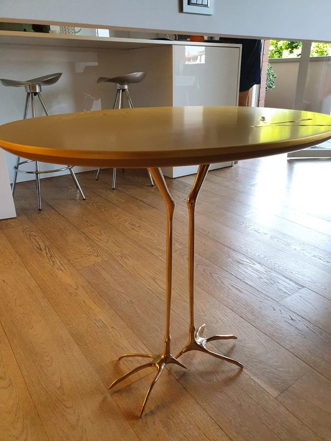 Traccia Design Tisch